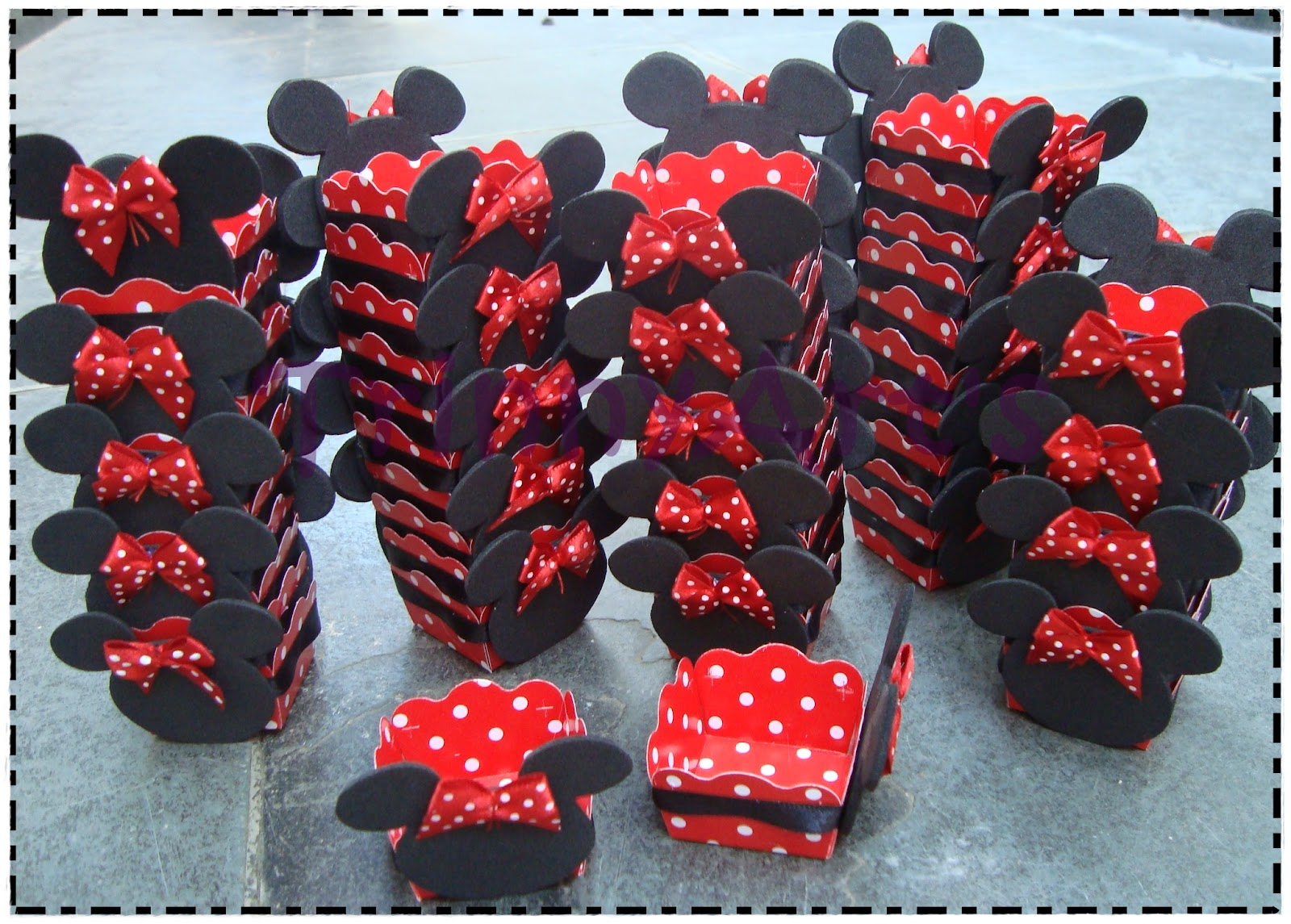 base cupcakes minnie