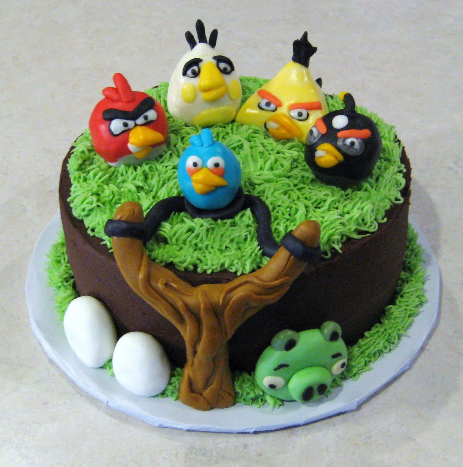 bolo Angry Bird decorado