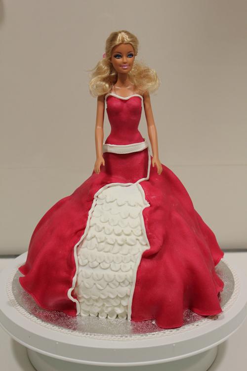 bolo boneca barbie vermelho
