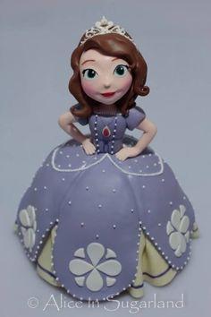 bolo boneca da princesa sofia