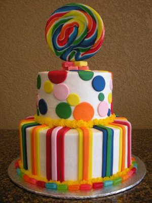 bolo com arco iris