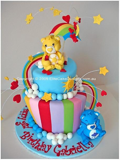 bolo decorado arco iris