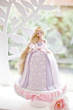 bolo decorado boneca rapunzel