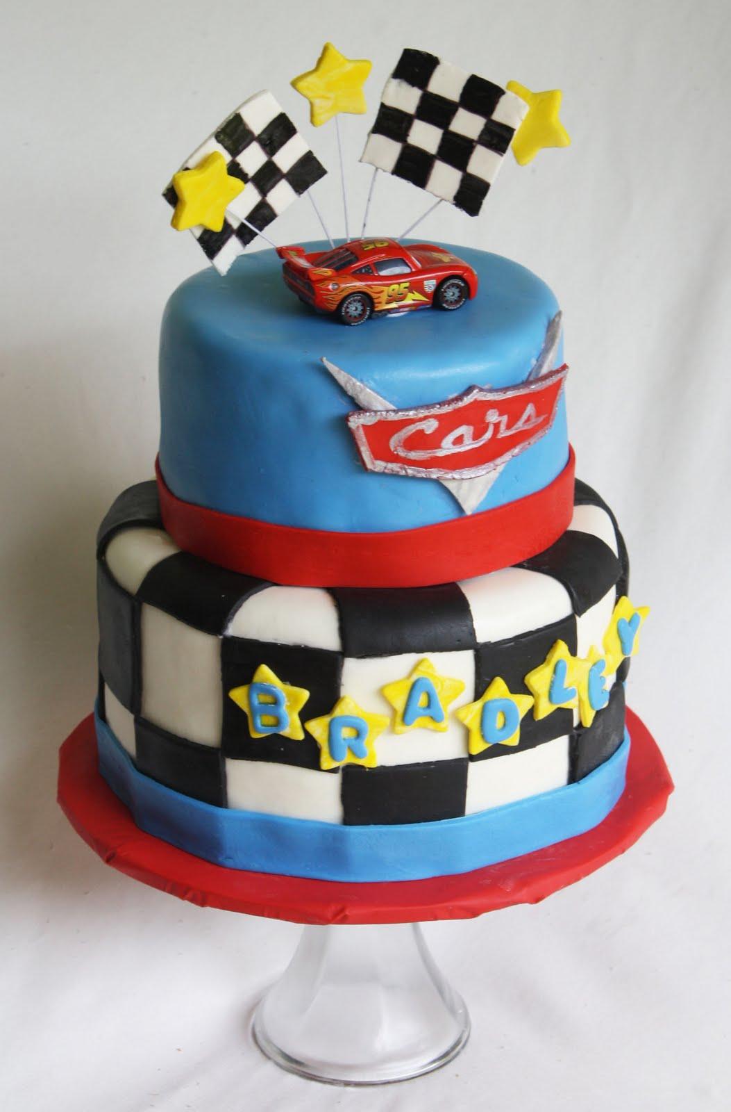 bolo decorado carros faisca