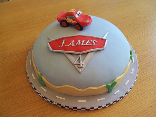 bolo decorado cars