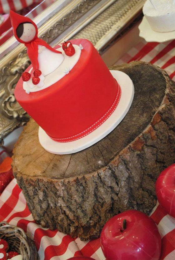 bolo decorado chapeuzinho vermelho 3