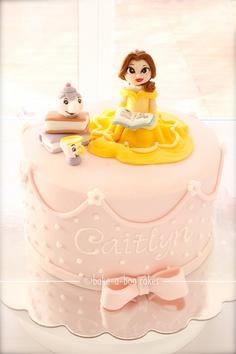 bolo decorado da bela e a fera