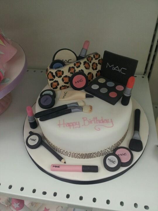 bolo decorado maquiagem mac