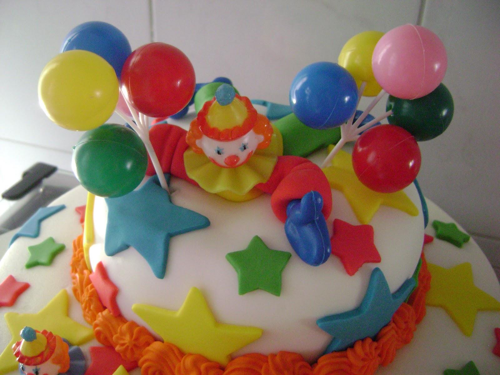 bolo decorado palhaço balao