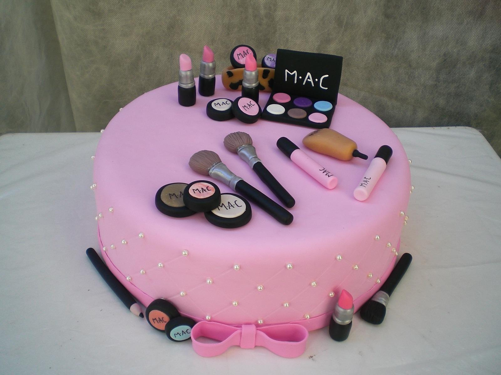 bolo maquiagem mac