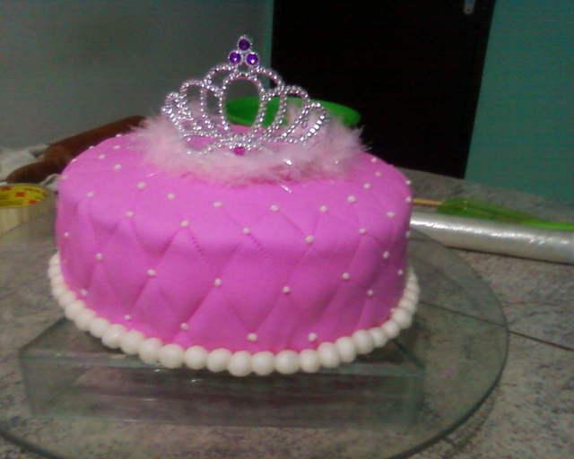 bolo princesa coroa