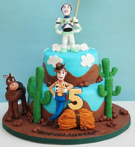 bolo toy story decorado