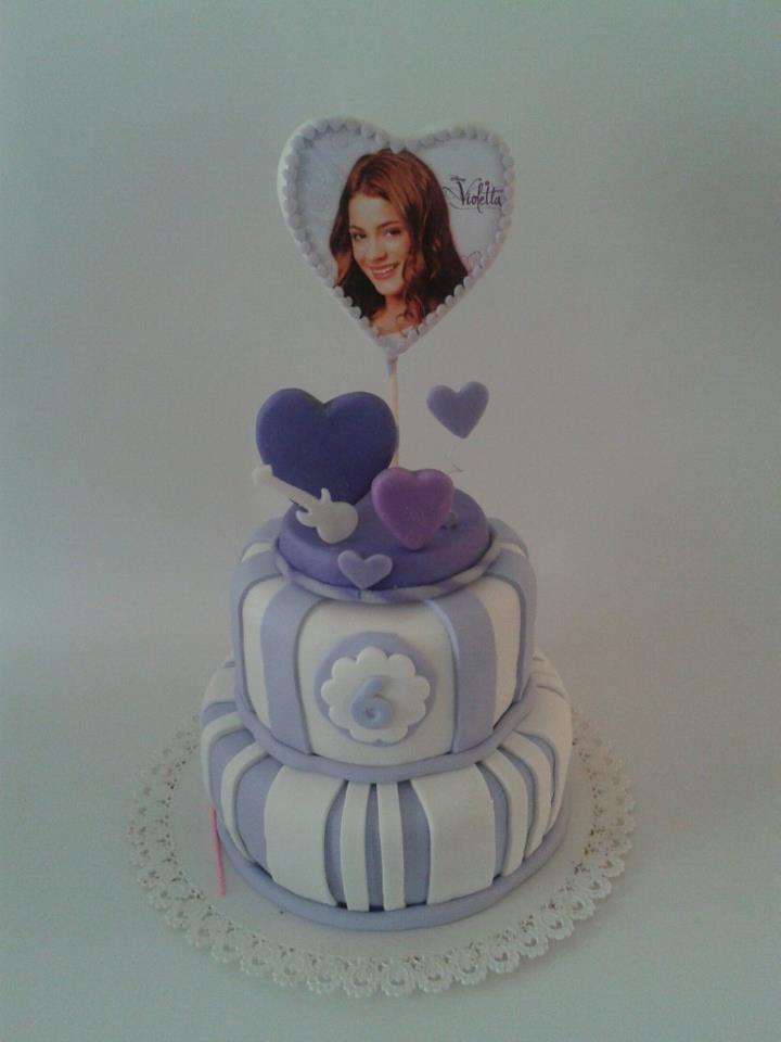 bolo violetta decorado