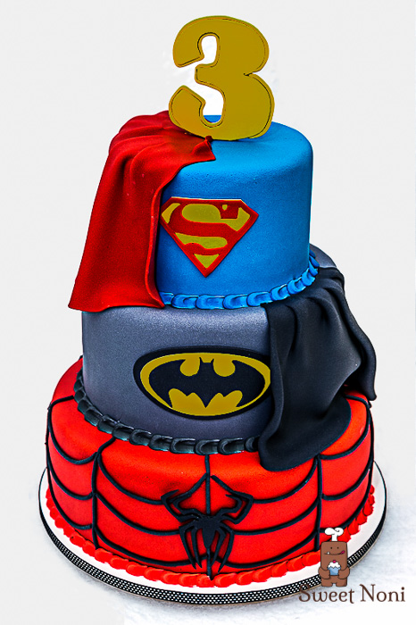 bolos decorados dos super herois