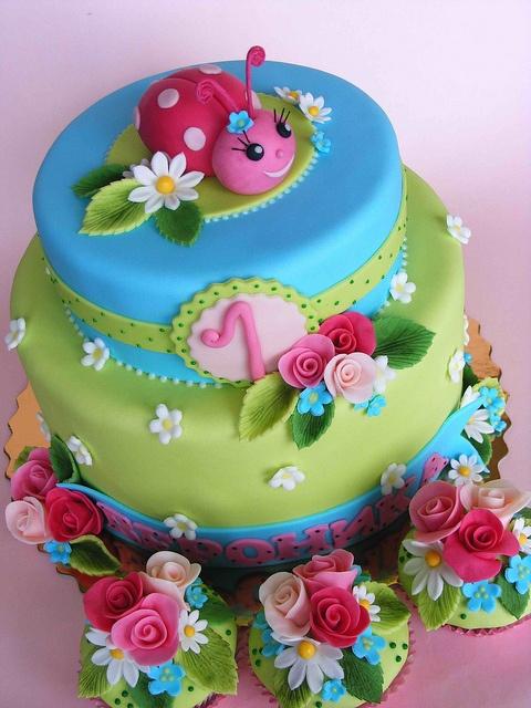 bolos decorados joaninha 2