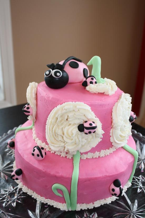 bolos decorados joaninha rosa