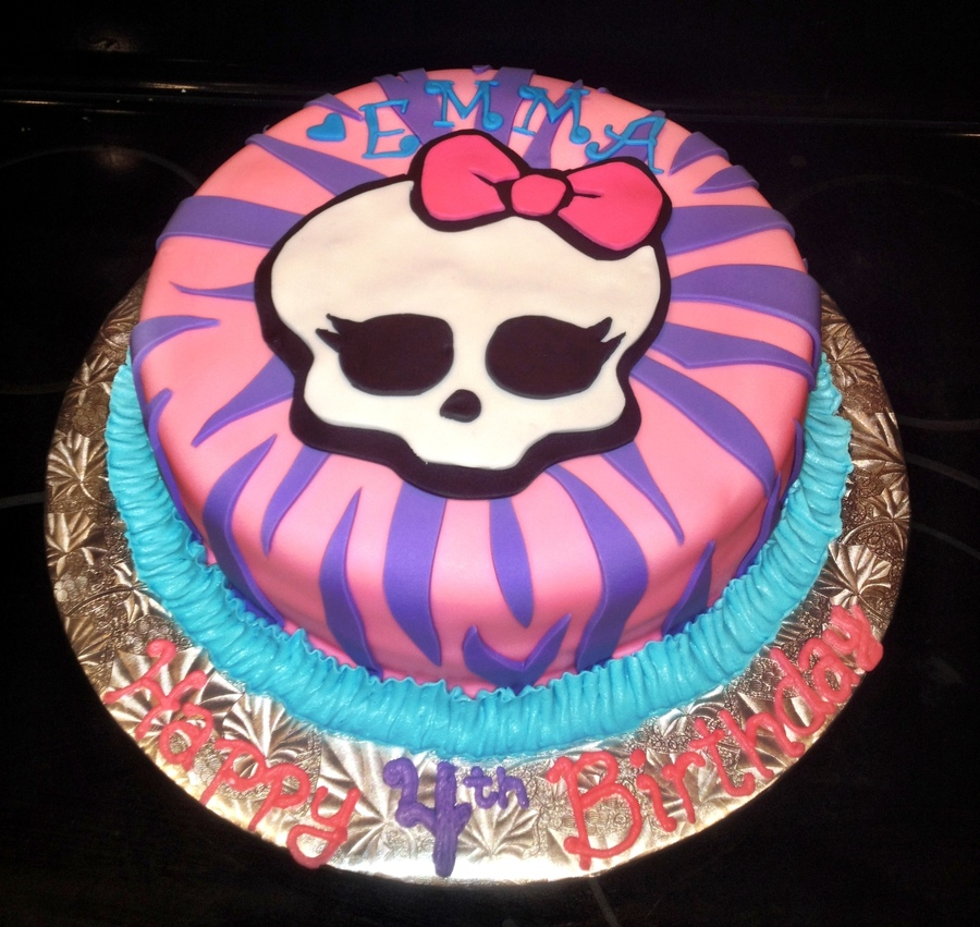 bolos decorados monster high