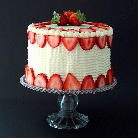 bolos decorados morangos 11