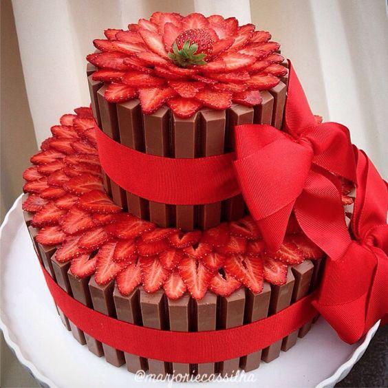 bolos decorados morangos