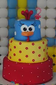 foto bolo decorado galinha pintadinha (2)